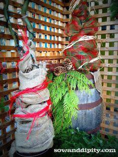 Burlap christmas tree by sowanddipity.com