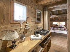 La Clusaz superbe ferme aménagée 12 personnes, cinq chambres, quatre salles de bains, hammam, chalet à deux pas des remontées et du village