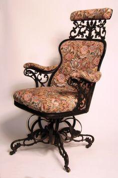 Thomas Warren Centripetal Chair