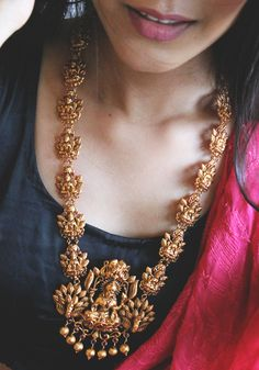 I love it earrings Lakshmi South Temple work Necklace - Paisley Pop Indian Jewelry Earrings, Jewelry Design Earrings, Gold Jewellery Design, Antique Earrings, Gold Jhumka Earrings, Beaded Necklaces, Antique Jewelry, Gold Necklace, Gold Temple Jewellery
