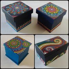 Pintura de africa Dot Art Painting, Mandala Painting, Stone Painting, Mandala Dots, Mandala Design, Crafts To Make, Arts And Crafts, Diy Crafts, Painted Wooden Boxes