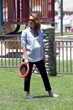 Jessica Alba Photo - Jessica Alba and Family at the Park