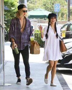 Couple Vanessa Hudgens and Austin Butler stops to buy some ice cold drinks while out and about in Studio City, California on September 7, 2015. Vanessa was in good spirits depsite recently revealing that her father has stage 4 cancer.
