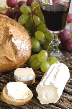 Red wine, goat cheese, and bread = heaven