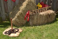 Country western party games - horseshoe toss out of felt & rice, plywood & dowel Western Party Games, Country Western Parties, Western Party Decorations, Western Theme, Western Cowboy, Country Birthday Party, Cowgirl Birthday, Farm Party, Birthday Parties