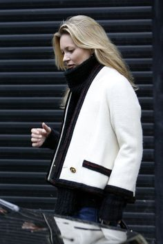 Kate Moss Photos - Kate Moss looks stylish in a Chanel cream jacket while running her errands.  The 37-year-old model paid a visit to a clinic before enjoying an early dinner at Scott's restaurant. - Kate Moss Runs Errands