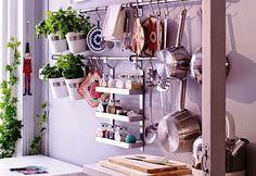 pendurando utensilios em cozinhas pequenas - Pesquisa Google