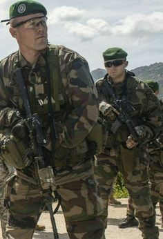 2 Reg Étrangère - Foreign Legion Any informations about this pictures? Please make a comment... Des infos à propos de cette image ? S'il vous plaît, faites un commentaire...