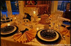 New Year's Table Setting with Pottery Barn Clock Plates  http://betweennapsontheporch.net/a-new-years-table-setting-with-pottery-barn-clock-plates/#