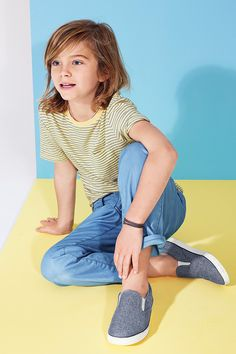 think spring in blues and yellows. 【Kids Boy】 Tシャツ/ID:407865 ※2015/3/3以降販売予定 チノパンツ/ID:977087 シューズ/ID:213616 ※2015/3/3以降販売予定 http://www.gap.co.jp/browse/subDivision.do?cid=6170 #beautifulyou #gapkids