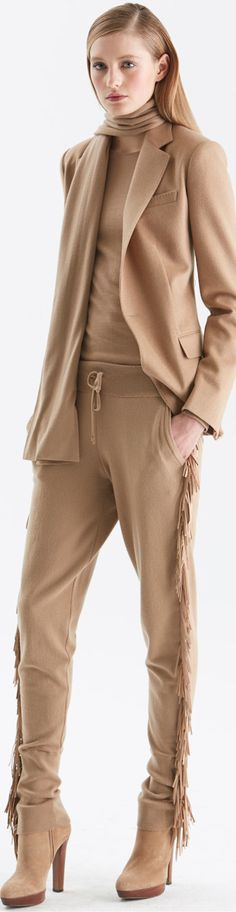 Pre-Fall Camel is rarely seen these days in suits or jackets - thank you Ralph Lauren for staying classy Brown Fashion, Winter Fashion, Polo Ralph Lauren, Cool Outfits, Fashion Outfits, Women's Fashion, Ralph And Russo, Ralph Lauren Collection, Couture