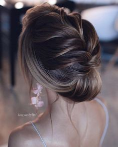 Tonyastylist Long Wedding Hairstyles and Wedding Updos beautiful hair styles for wedding 20 Drop-Dead Bridal Updo Hairstyles Ideas from Tonyastylist Short Wedding Hair, Wedding Hairstyles For Long Hair, Wedding Hair And Makeup, Up Hairstyles, Wedding Updo, Bridal Hairstyles, Evening Hairstyles, Hairstyle Ideas, Hair Ideas