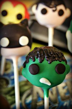 Hulk, Batman, Superman and Ironman cake pops Perfect for a superhero themed party by Evie and Mallow Superhero Cake Pops, Superhero Theme Party, Superman Party, Cake Pop Bouquet, Minecraft Cake, Lego Cake, Minecraft Houses, Iron Man Kuchen, Toddler Birthday Cakes