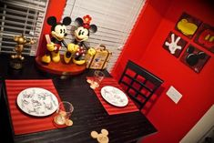 hmmmm dinner is served Disney Style.