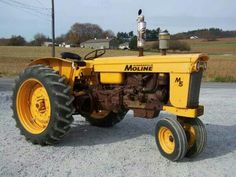 MINNEAPOLIS-MOLINE M5 Antique Tractors, Vintage Tractors, Old Tractors, Vintage Farm, Antique Cars, Minneapolis Moline, Tractor Pulling, Agriculture Farming, Rubber Tires