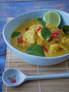 Thermomix recipe: Turmeric Galangal Fish Curry | Tenina Curry Recipes, Meat Recipes, Dinner Recipes, Cooking Recipes, Healthy Recipes, Healthy Food, Mango Pineapple Salsa, Thai Mango, Prawn Skewers