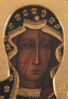 Matka Boska Częstochowska - Królowa Polski, hexagram (geometric 666) on her veil. The fleur-de-lis is also occultic.