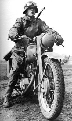 German courier - It& NOT a BMW, is it? Please leave me a comment if you kn. - World War II Germany - Ww2 Pictures, Ww2 Photos, Military Pictures, German Soldiers Ww2, German Army, Military Art, Military History, Germany Ww2, War Photography
