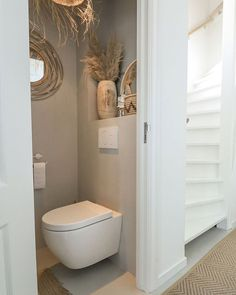 Bathroom Spa, Bathroom Toilets, Small Bathroom, Upstairs Bedroom, Upstairs Bathrooms, Small Toilet Room, Downstairs Toilet, Bathroom Interior Design, Bathroom Inspiration