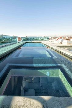 Glass bottom pool - on the roof! ♥