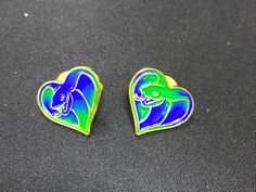 Hello guy!!gradient enamel trial pins show! But it needs much time to do 😅and have to be quick,or the enamel will mix together and it show worse. Looks good in photography😉 Eva@add-gifts.com