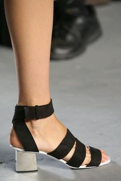 Proenza Schouler Spring 2015 Ready-to-Wear - Details - Gallery - Look 52 - Style.com- These look great  and easy to wear