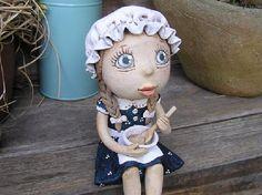 Moje nová kráska Ceramic Figures, Disney Characters, Fictional Characters, Ceramics, Disney Princess, Handmade Pottery, Angels, Ideas, Clay