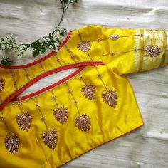Top 30 Latest And Trendy Blouse Designs For Back Neck Blouse design Indian Blouse Designs, Simple Blouse Designs, Stylish Blouse Design, Bridal Blouse Designs, Blouse Back Neck Designs, Sari Design, Choli Blouse Design, Pattu Saree Blouse Designs, Maggam Work Designs