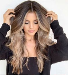 Blonding, Balayage and Babylights: Why We're Obsessed with - Hair Colo. Blonding, Balayage und Babylights: Warum wir von - Hair Color - Modern Salon besessen s Ombre Hair Color, Hair Color Balayage, Blonde Ombre, Blonde Highlights, Babylights Blonde, Short Blonde Balayage Hair, Balyage Long Hair, Hair Colors For Blue Eyes, Balayage Hairstyle