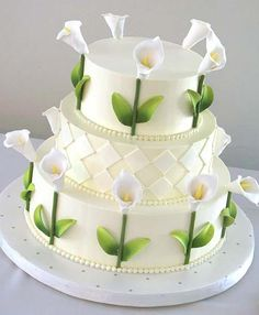 Wedding-Cake-with-Lily-Decoration2 Three Square Tier Calla Lilies