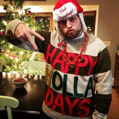 Someone please have an ugly sweater party so I can wear this!!!