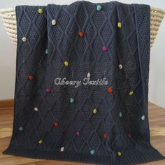 100% Acrylic Knitted Blanket With Color Ball
