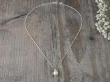Halskette mit einzelner Perle
