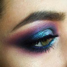 #tominamakeup#makeup#beauty#makeupartist#style#bride#bridalmakeup#wedding#weddingmakeup#eyemakeup#eye#макияж#визаж#визажист#hudabeauty #nophotoshop #smoky#smokyeyes#eyemakeup#blueeyes#strobbing#цветноймакияж#цветноймакияжглаз#colorful#colormakeup#beautymakeup @hudabeauty#fashion#pigments#Minsk#Belarus My colorful Universe For my marvelous model Diana @dianaskel from Lithuania Работа с пигментами и цветом для моих любимых базовичков: мы не ищем простых путей!