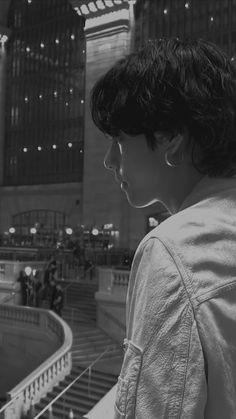 Taehyung Selca, Kim Taehyung Funny, Bts Jungkook, Daegu, Foto Bts, Taehyung Photoshoot, V Bts Wallpaper, Bts Aesthetic Pictures, Bts Korea