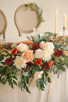 Round Wedding Tables, Wedding Table Flowers, Wedding Table Centerpieces, Flowers For Weddings, August Wedding Flowers, Whimsical Wedding Flowers, Natural Wedding Flowers, Fall Wedding Table Decor, Floral Wedding Decorations