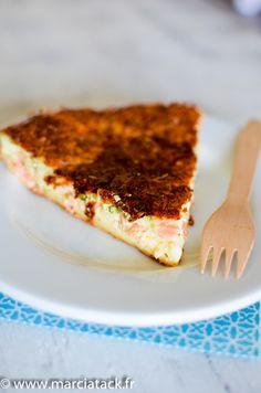 Une recette idéale, facile et rapide pour le diner avec cette quiche sans pâte au saumon issue d'une recette tupperware