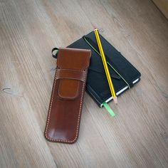Traditional style handmade Leather Pencil case which will hold 4 pencils maybe 1 more once the leather has broken in. Comes with 4 new sharpened HP Steadtler Pencils, Perfect for keeping your briefcase or art bag tidy. Made from full grain natural tanned leather Oil dyed in brown