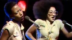 """Althia and Donna - """"Uptown Top Ranking"""" (1977) Live at TOPTP UK"""