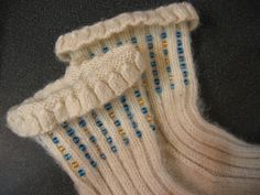 These look so cozy! Ravelry: maillendroit's Godiva socks