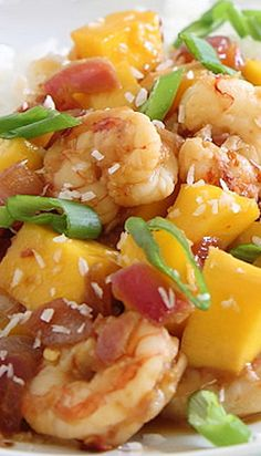 Sweet and Spicy Mango Shrimp Recipe ~ is ready in just 20 minutes and has a nice kick of spice that is balanced out by the sweet mango.