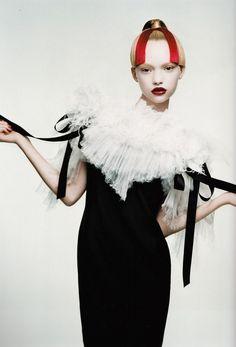 Photo ofGemma Ward by Patrick Demarchelier for Harper's Bazaar Espana