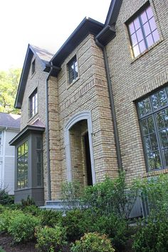 Chicago Brick Buff Or Yellow House Trim Houses Exterior