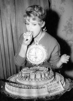 Brigitte Bardot, torta di compleanno