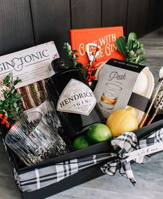 A More Personalized Holiday Gifting Andee Layne - Geschenke geburtstag Corporate Gift Baskets, Corporate Gifts, Home Decor Baskets, Basket Decoration, Holiday Gift Baskets, Holiday Gifts, Gift Basket For Men, Christmas Gift Box, Birthday Basket