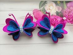 (421) Бабочка из глиттерного фоамирана Заколка для волос / Butterfly hair clip / Prendedor De Borboleta - YouTube Making Hair Bows, Diy Hair Bows, Diy Bow, Kanzashi Tutorial, Hair Bow Tutorial, Paper Flowers Craft, Felt Flowers, Bow Template, Butterfly Template