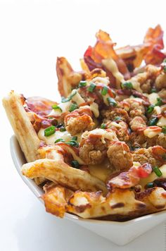 THE WORLD I SEE • verticalfood: Chicken and Waffles Nachos