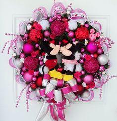 Disney Valentine Wreath Mickey and Minnie by SparkleForYourCastle,