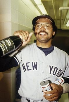 - Reggie Jackson - New York Yankees Damn Yankees, New York Yankees Baseball, Yankees Fan, Sports Baseball, Baseball Players, Baseball Cards, Baseball Teams, Baseball Quotes, Mr October