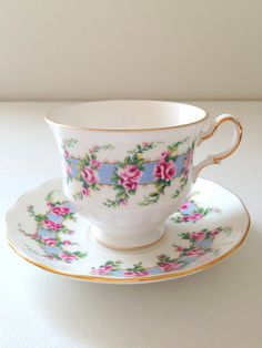 English Queen Anne Tea Cup & Saucer Fine Bone China Tea Party
